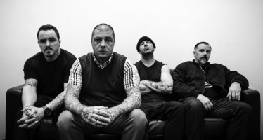 "Rancid têm novo single ""Ghost of a Chance"""