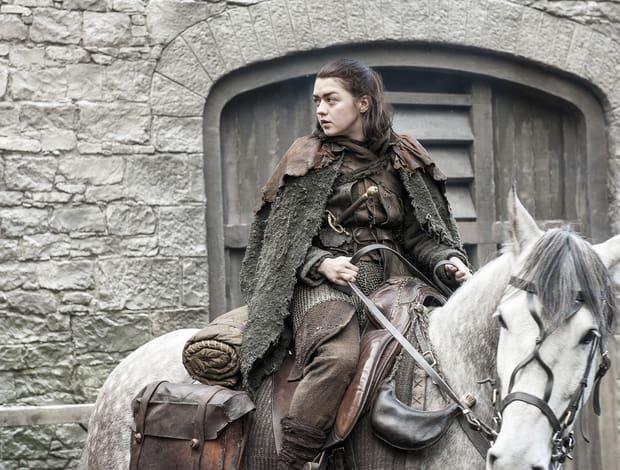 Arya faz uma paragem, no seu caminho para matar a rainha. Onde estará?