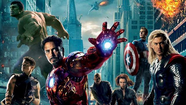Os Vingadores - O filme que reune os grandes super-herois da Marvel. Fãs de Comics e viciados em blockbusters, é um final de tarde perfeito: às 19h35, na FOX.