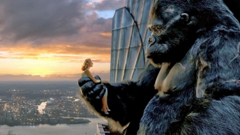 """King Kong - O filme de 2005, em que o """"Gorilla Rei"""" desenvolve uma relação estranhamente bonita com uma humana. Às 10h50 na FOX Movies."""