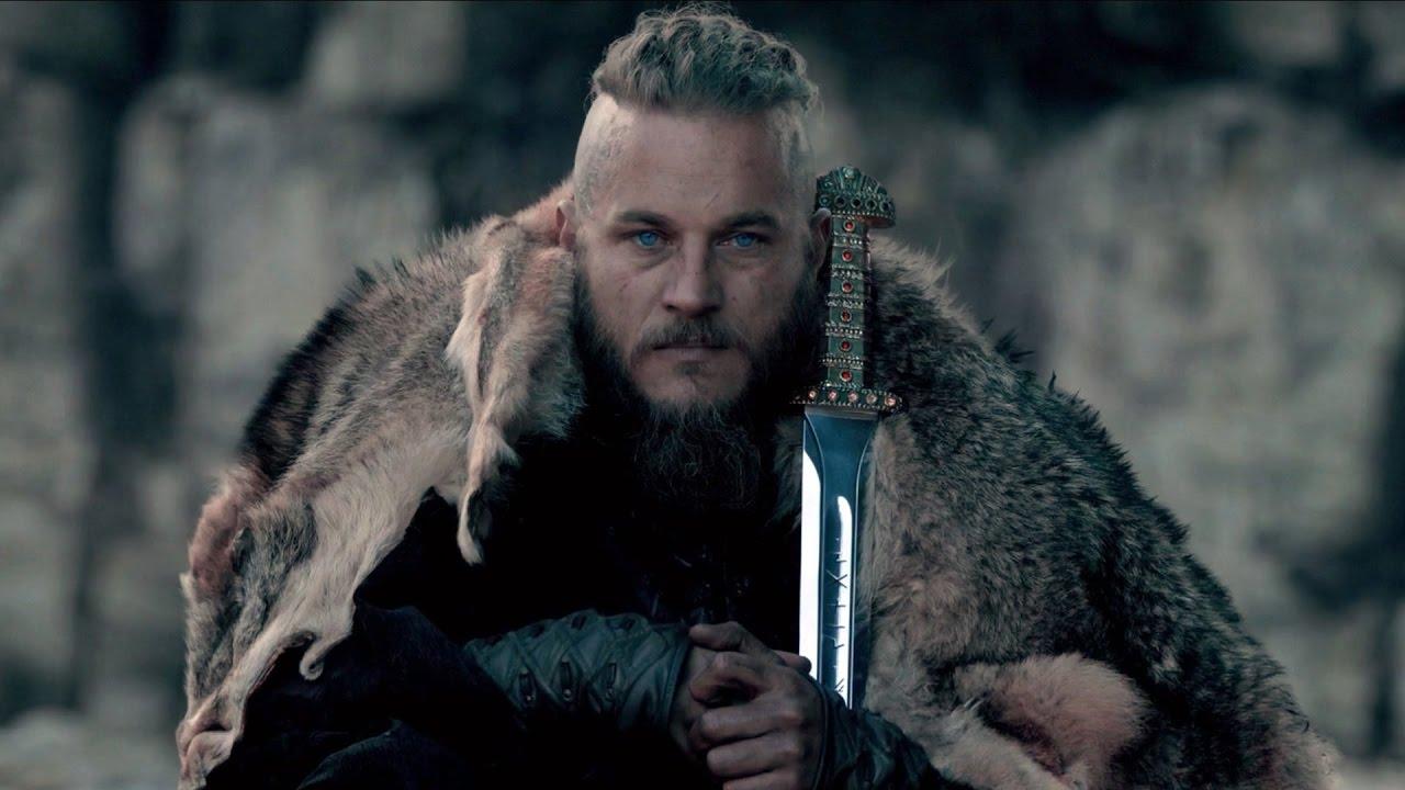 Ragnar Lothbrok, um dos protagonistas de Vikings, é interpretado por Travis Fimmel